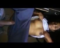 देसी इंडियन स्कुलगर्ल की मस्त चुदाई अनकट लंड से