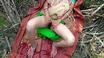 गन्ने के खेत में बीवी को नंगा कर आउटडोर फन किया