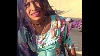राजस्थानी लड़कियों ने चूचियां दिखाई रेगिस्तान में
