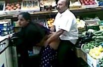दूकानवाले ने मुस्लिम आंटी को चोदा सलवार निकाल के - सेक्स वीडियो