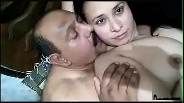 होटल में रंडी को चोदा पॉलिटिशियन ने - इंडियन सेक्स वीडियो