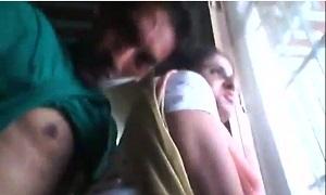 पड़ोस में रहने वाली आंटी के साथ पाकिस्तानी लड़के ने सेक्स किया - चुदाई वीडियो