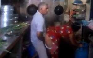 भोसड़ीवाले चाचा ने कामवाली को किचन में चोदा - इंडियन वीडियो