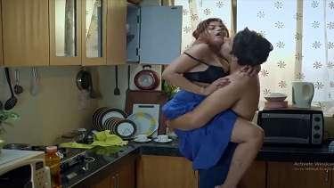 हॉट इंडियन कामवाली सकुबाई का मालिक के साथ भड़कीला सेक्स!