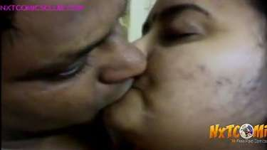 घरेलु बंगाली बीवी की गैर मर्द के साथ चुम्माचाटी