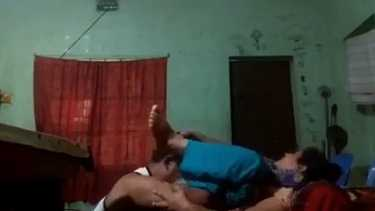 विधवा मकानमालिकिन की चूत चाट के चोदा - हॉट इंडियन सेक्स वीडियो