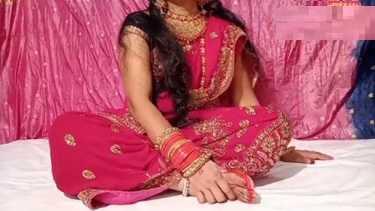 रेड ड्रेस वाली दुल्हन भाभी गीता की सुहागरात सेक्स वीडियो