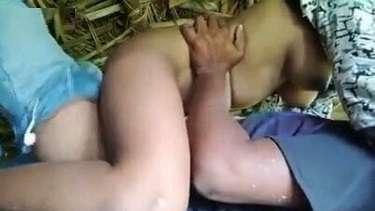 नुकीले बूब्स वाली मल्लू लड़की ने खेत में चुदवाया लंड पर चढ़ के – वीडियो
